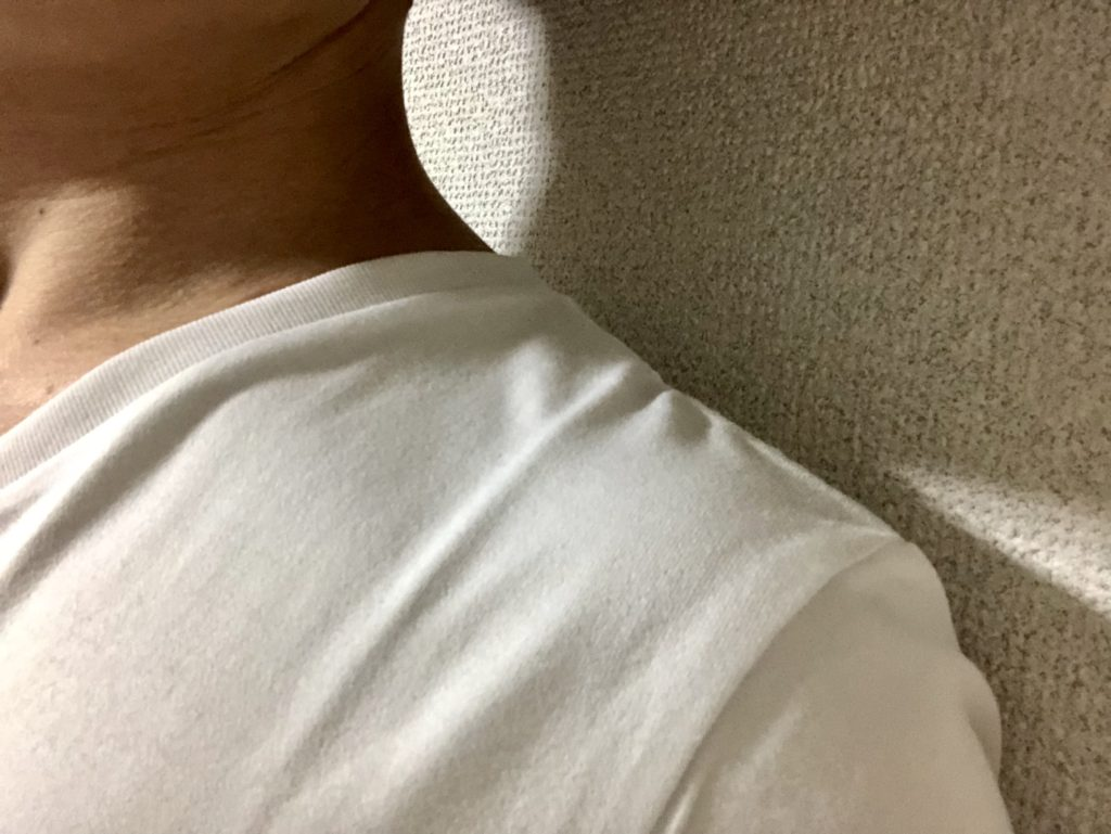 ZOZOパターンオーダーメイドVネックTシャツ肩幅