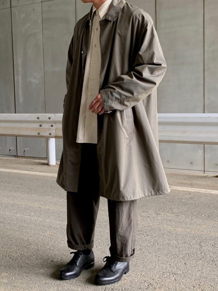 ビッグサイズのステンカラーコートを使った低身長男性のAラインシルエットコーデ