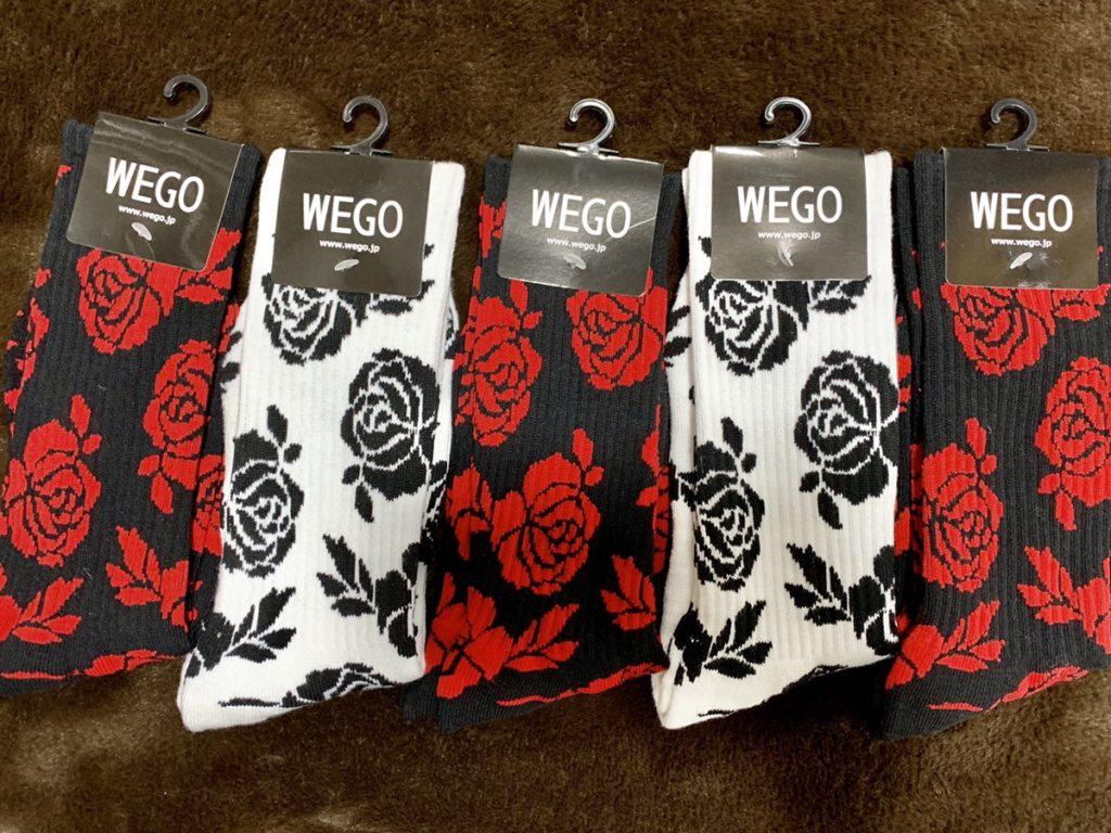 柄靴下安い花柄ブラックホワイトレッド